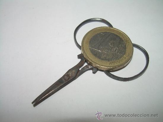 Antigüedades: ANTIGUAS Y PEQUEÑISIMAS TIJERAS DE HIERRO FORJADO....SIGLO XIX. - Foto 5 - 35534632