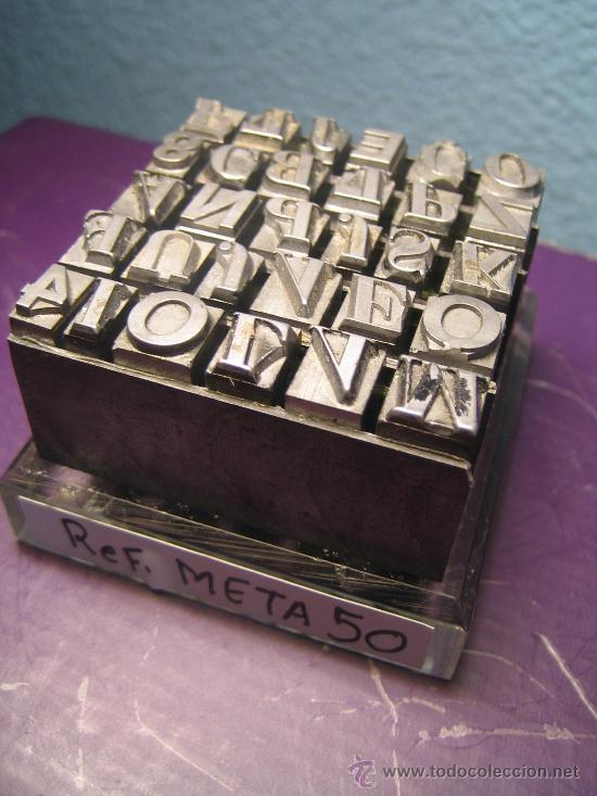 Antigüedades: IMPRENTA, LETRAS DE PLOMO SOBRE PEANA METACRILATO - REF. META 50 PIEZA DECORATIVA UNICA - Foto 2 - 35625431