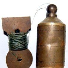 Antigüedades: ANTIGUA PLOMADA DE BRONCE DE ALBAÑIL HERRAMIENTA. Lote 48467577