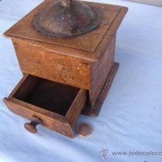 Antigüedades: ANTIGUO MOLINILLO DE CAFÉ EN MADERA.. Lote 35706357