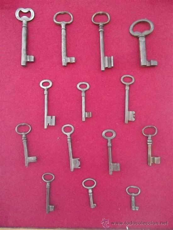 Antigüedades: cuadro con 14 llaves antiguas - Foto 2 - 35797439