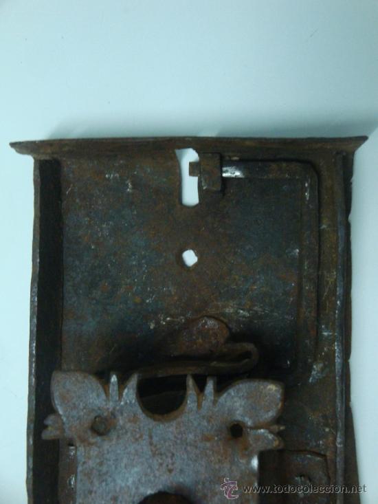 Antigüedades: Bocallave antiguo con su cerradura original siglo XVII aproxi. - Foto 13 - 35844349