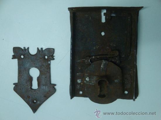 Antigüedades: Bocallave antiguo con su cerradura original siglo XVII aproxi. - Foto 9 - 35844349