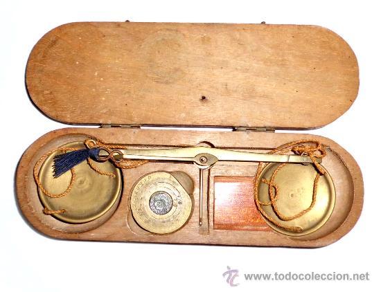 AZAFRANERO, KILATERO CON ESTUCHE DE MADERA (Antigüedades - Técnicas - Medidas de Peso - Básculas Antiguas)