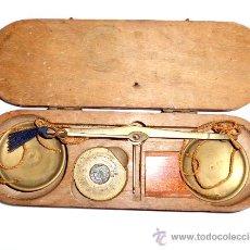 Antigüedades: AZAFRANERO, KILATERO CON ESTUCHE DE MADERA. Lote 35883079