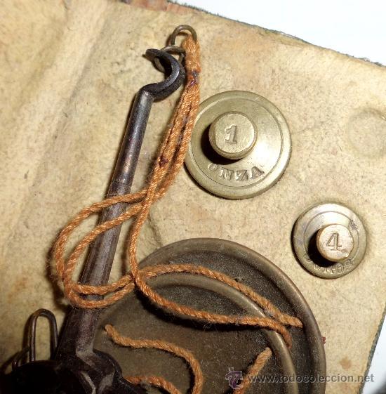 Antigüedades: azafranero, kilatero de forja con estuche funda verde, onza , duro - Foto 4 - 35883231