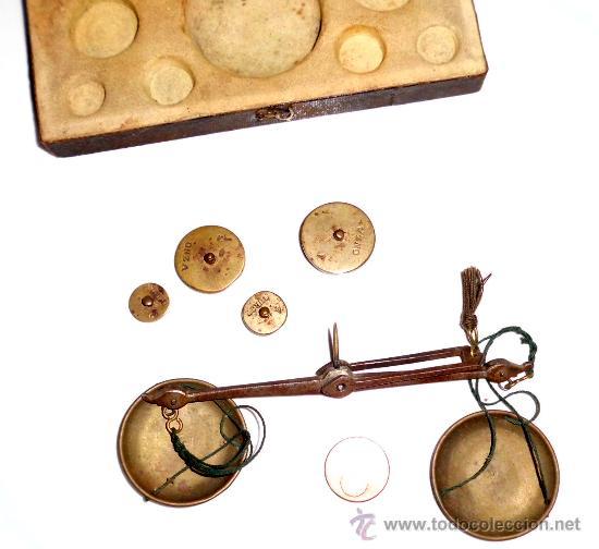 Antigüedades: azafranero, kilatero de forja con estuche funda negro, onza, duros - Foto 4 - 35883533