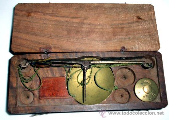 AZAFRANERO, KILATERO DE FORJA CON CAJA DE MADERA (Antigüedades - Técnicas - Medidas de Peso - Básculas Antiguas)