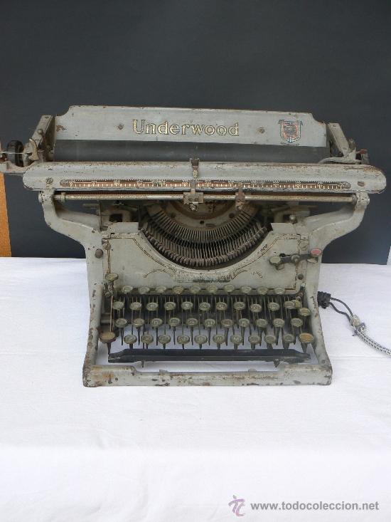 MAQUINA DE ESCRIBIR.MARCA UNDERWOOD.MADE IN USA.CONVERTIDA EN ELEMENTO FUNCIONAL-DECORATIVO. (Antigüedades - Técnicas - Máquinas de Escribir Antiguas - Underwood)