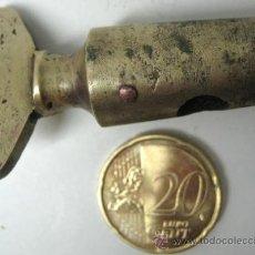 Antiguidades: ANTIGUA LLAVE DE PASO PARA GRIFO TONEL DE VINO. Lote 35967171