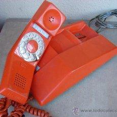 Teléfonos: TELEFONO VINTAGE ROJO. AÑOS 60-70. CANADA. NORTHERN TELECOM. PATENTED 1969-1970. Lote 35986904