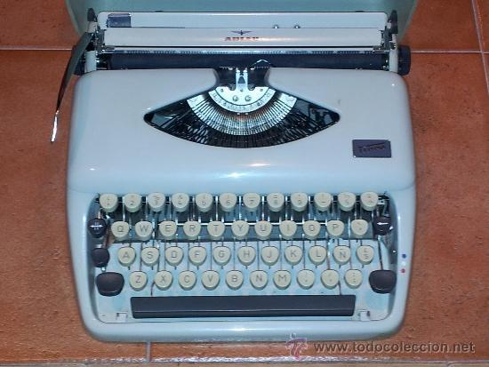 MÁQUINA DE ESCRIBIR ADLER MODELO TIPPA (Antigüedades - Técnicas - Máquinas de Escribir Antiguas - Otras)