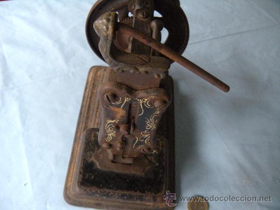 Antigüedades: ANTIGUA MÁQUINA DE COSER. S. XIX , LACOUR Y LESAGE. - Foto 5 - 147524681