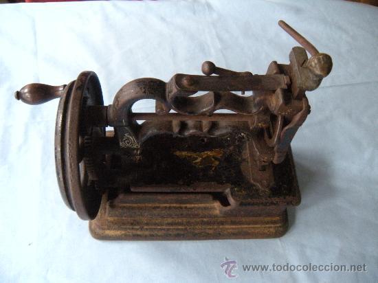 Antigüedades: ANTIGUA MÁQUINA DE COSER. S. XIX , LACOUR Y LESAGE. - Foto 6 - 147524681