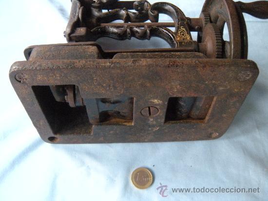 Antigüedades: ANTIGUA MÁQUINA DE COSER. S. XIX , LACOUR Y LESAGE. - Foto 8 - 147524681