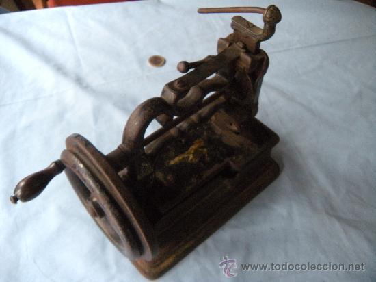 Antigüedades: ANTIGUA MÁQUINA DE COSER. S. XIX , LACOUR Y LESAGE. - Foto 9 - 147524681