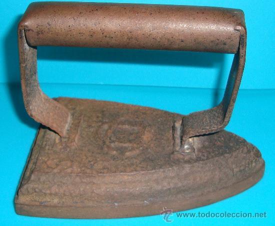 ANTIGUA PLANCHA DE HIERRO (Antigüedades - Técnicas - Planchas Antiguas - Hierro)