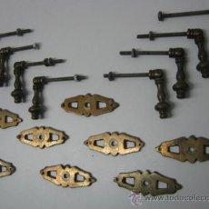 Antigüedades: LOTE 8 TIRADORES POMO ANTIGUOS BRONCE 8 JUEGOS COMPLETOS. Lote 36116589