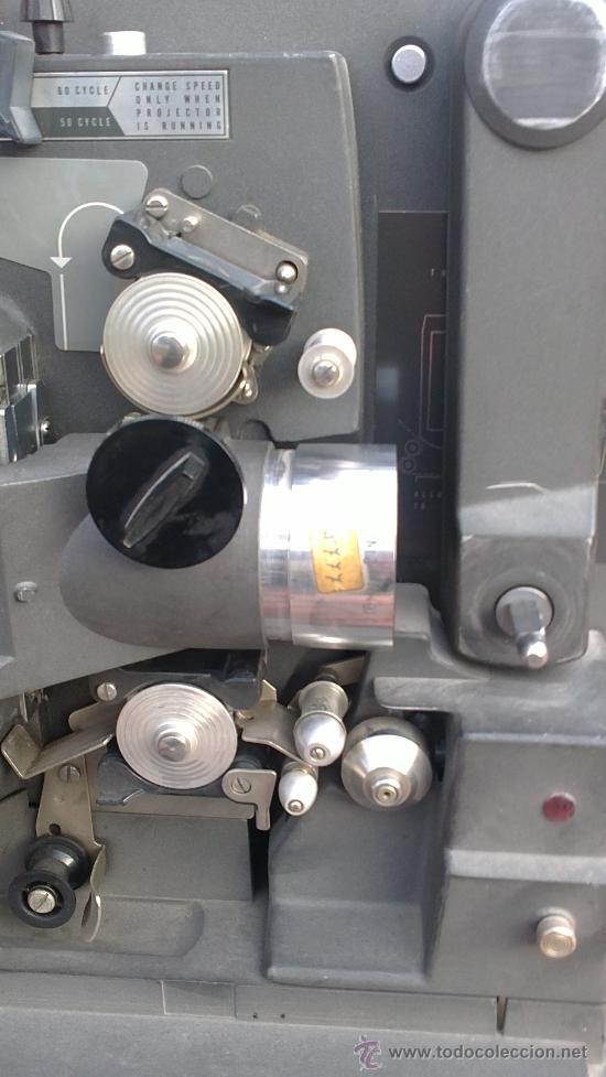 Antigüedades: PROYECTOR DE CINE PROFESIONAL BELL HOWELL FILMO SOUND 16MM MADE IN U.S.A. - Foto 4 - 36245127