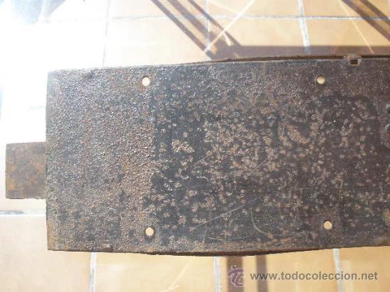Antigüedades: GAN CERRADURA DE HIERRO, SIN LLAVE. 40CM X 15CM X 5,5CM (SIN EL PASADOR) - Foto 4 - 36286613