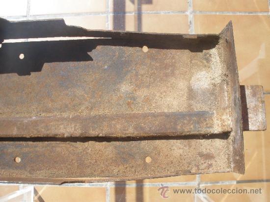 Antigüedades: GAN CERRADURA DE HIERRO, SIN LLAVE. 40CM X 15CM X 5,5CM (SIN EL PASADOR) - Foto 8 - 36286613