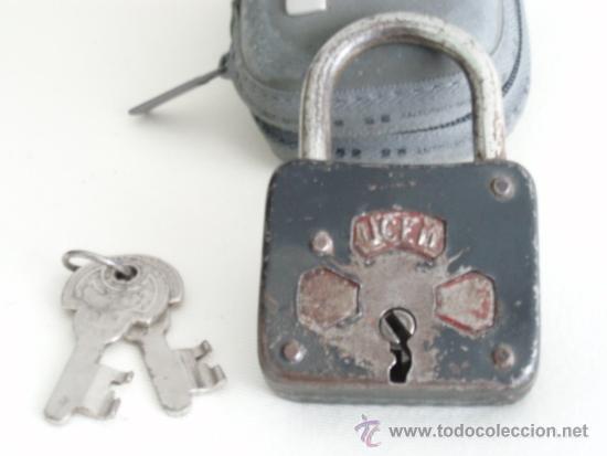 Antigüedades: CANDADO UCEM. CON DOS LLAVES. FUNCIONA CORRECTAMENTE. Gastos de envio 5 euros - Foto 3 - 36314259