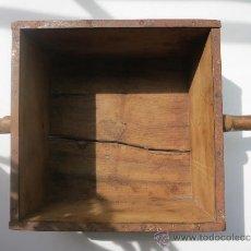Antigüedades: MEDIDA DE GRANO DE 10 LITROS PORTUGESA. Lote 36383590
