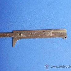 Antigüedades: PIE DE REY PEQUEÑO DE METAL DE 11 CM DE LARGO. Lote 36687955
