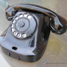 Teléfonos: TELÉFONO SOVIÉTICO DE BAKELITA NEGRA.ASPECTO MUY RETRO . AÑOS 60.. Lote 36710787