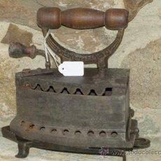 Antigüedades: PLANCHA HIERRO FUNDIDO LEVANTINA .S XIX. TRESPIES HOJALATA.. Lote 36908325