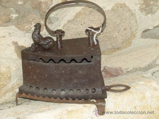 PLANCHA HIERRO FUNDIDO .C 1900. PORTUGAL. TRESPIES HIERRO. (Antigüedades - Técnicas - Planchas Antiguas - Carbón)