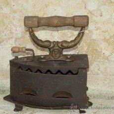 Antigüedades: PLANCHA HIERRO FUNDIDO LEVANTINA .S XIX. TRESPIES HOJALATA.. Lote 36908691