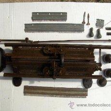 Antigüedades: STRICKMASCHINEN ELITE WERKE AG DIAMANT WERKE REICHENBRAND I.S MAQUINA DE TRICOTAR ALEMANA. Lote 36910648