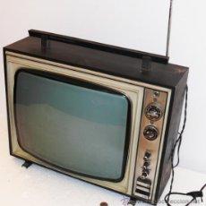 Antigüedades: TELEVISOR TV ANTIGUA GENERAL ELECTRICA ESPAÑOLA IDEAL VINTAGE O RETRO ELECTRIC 25