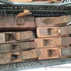 Antigüedades: ANTIGUO CEPILLO DE CARPINTERO. Lote 40031105
