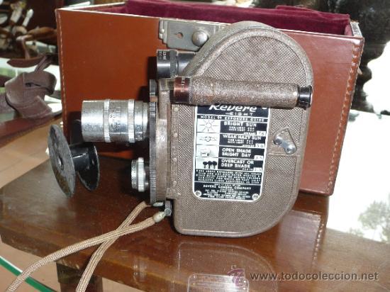 Antigüedades: Antigua camara grabadora filmadora, marca Revere Eight, desconozco del tema. - Foto 2 - 37243368