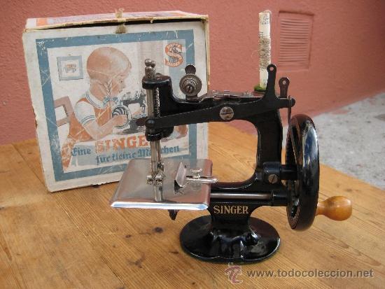 Maquina de coser pequena singer, epoca 1930, an - Vendido