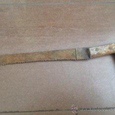 Antigüedades: SERRUCHO SIERRA ANTIGUO HOJA DE 30 CM. Lote 37297800