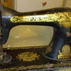Antigüedades: MAQUINA DE COSER SINGER - ESFINGE EGIPCIA. Lote 37371672
