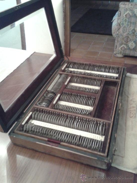ANTIGUA CAJA DE LENTES DE PRUEBAS OFTALMOLOGICAS (Antigüedades - Técnicas - Instrumentos Ópticos - Gafas Antiguas)