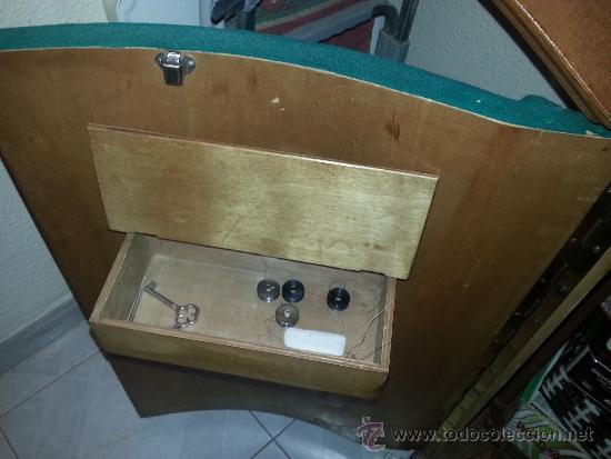 Antigüedades: Máquina de coser Refrey Transforma, con mueble en madera de haya exclusivo. Funciona muy bien. - Foto 4 - 37510468