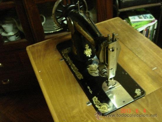 Antigüedades: Máquina de coser Singer. - Foto 3 - 37578163