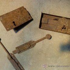 Antigüedades: LOTE PESTILLOS Y CERRADURAS. Lote 37582007