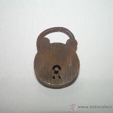 Antigüedades: ANTIGUO Y PEQUEÑO CANDADO DE BRONCE.. Lote 37602235