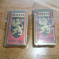 Antigüedades: 2 ANTIGUAS CAJAS DE CUCHILLAS IBERIA DE HOJAS DE AFEITAR . SIN USAR . AÑO 1955 EN BLISTER . Lote 37659263