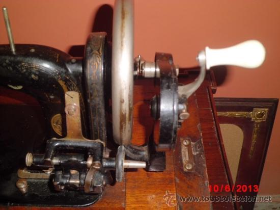 Antigüedades: MAQUINA DE COSER ANTIGUA, DE CANILLERO DE MEDIA BARCA. DE LA MARCA FRISTER ¬ROSSMANN - Foto 7 - 37646390