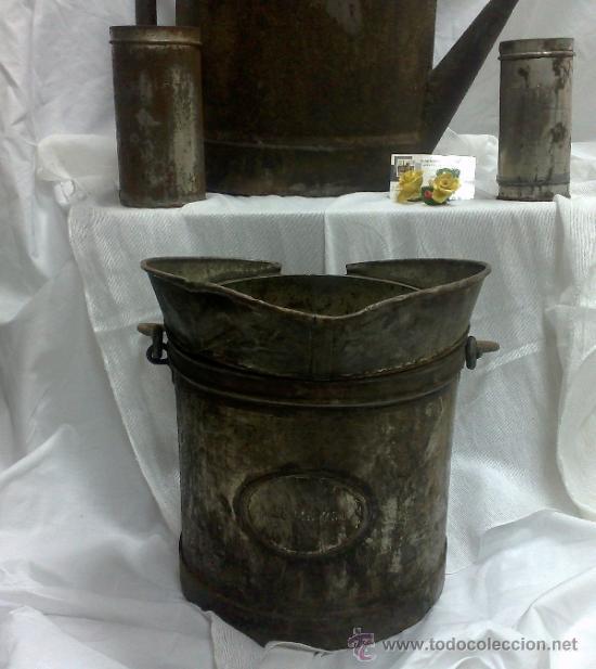 Antigüedades: 1ª 1/2 XX-S. LOTE DE RECIPIENTES PARA DISPENSAR CARBURANTE , PROCEDENTES DE ANTIGUA GASOLINERA. - Foto 4 - 37720549