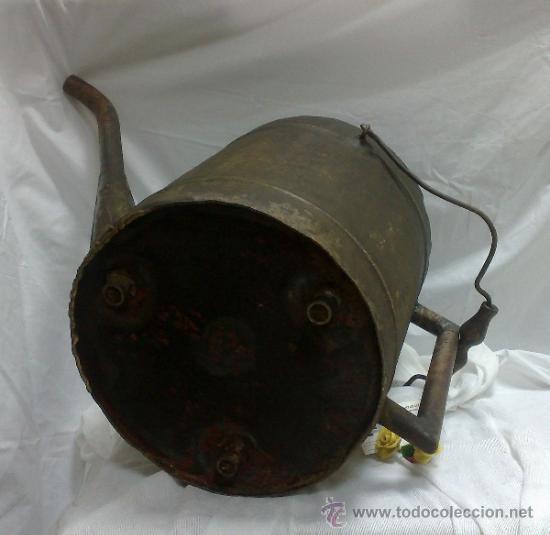 Antigüedades: 1ª 1/2 XX-S. LOTE DE RECIPIENTES PARA DISPENSAR CARBURANTE , PROCEDENTES DE ANTIGUA GASOLINERA. - Foto 11 - 37720549