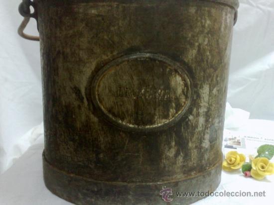Antigüedades: 1ª 1/2 XX-S. LOTE DE RECIPIENTES PARA DISPENSAR CARBURANTE , PROCEDENTES DE ANTIGUA GASOLINERA. - Foto 22 - 37720549