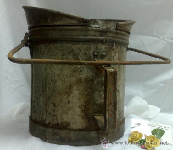Antigüedades: 1ª 1/2 XX-S. LOTE DE RECIPIENTES PARA DISPENSAR CARBURANTE , PROCEDENTES DE ANTIGUA GASOLINERA. - Foto 24 - 37720549